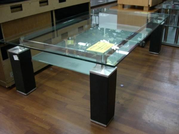 ! ニトリのガラステーブル ...