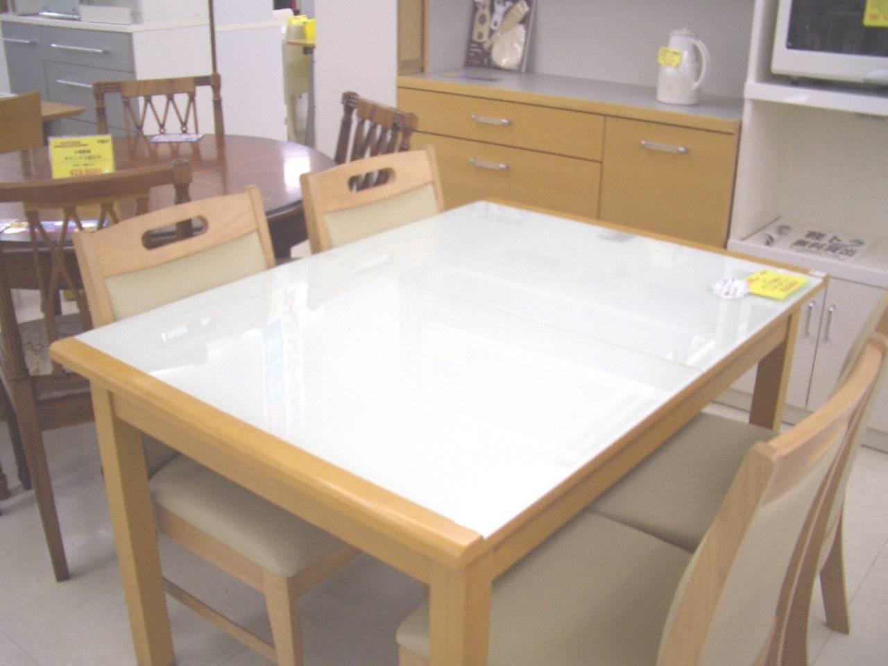 最新中古家具情報!!ニトリ・ダイニングテーブルが入荷しました。。。モダン...