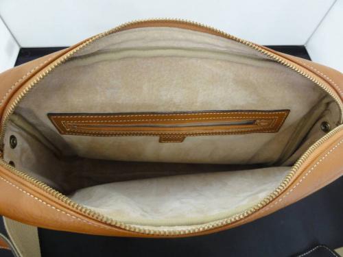 土屋鞄の西新井ファッション