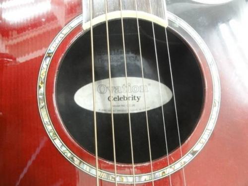 ギターのOVATUION