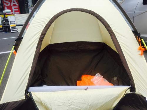 登山用品のテント