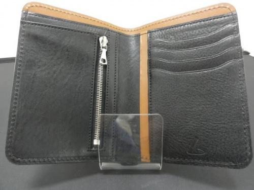 2つ折り財布の土屋鞄