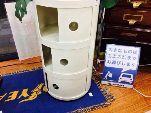 Kartellの足立西新井家具