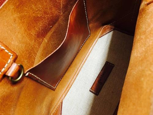 B印YOSHIDAのトラベルバッグ