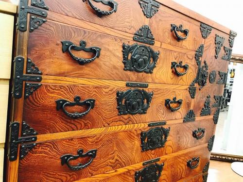 家具の民芸箪笥