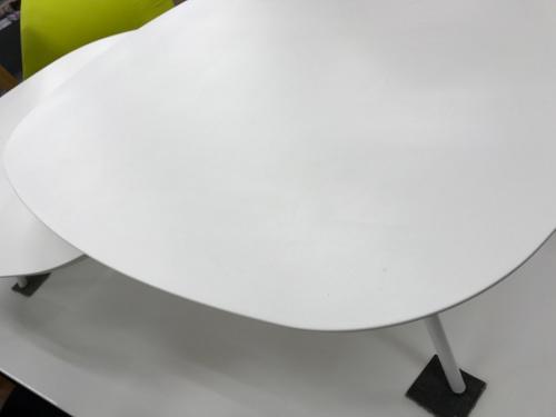 ローテーブルのTWEET