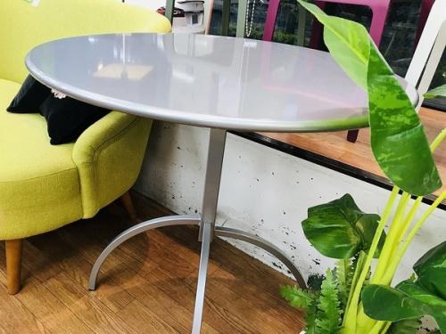 テーブルのemu SEGNO