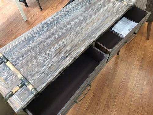 テーブルのアンティーク