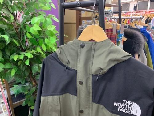 メンズファッションのマウンテンライトジャケット
