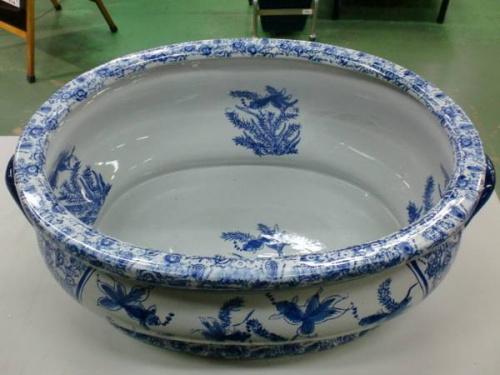 雑貨の水鉢