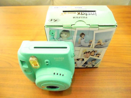 デジタル家電のインスタントカメラ