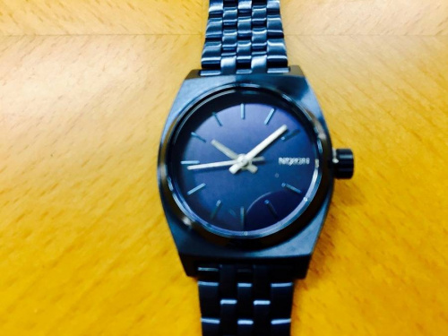 腕時計のニクソン(NIXON)