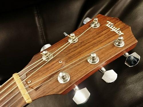 ギターのTaylor