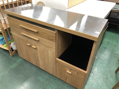 収納家具のカウンター