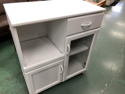 収納家具のカップボード・食器棚
