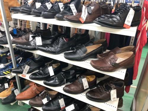 スニーカーの革靴