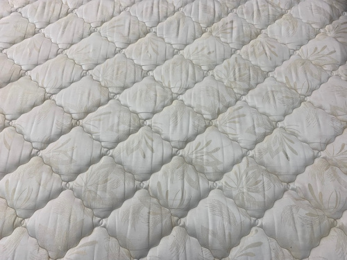 France BedのKINGSDOWN