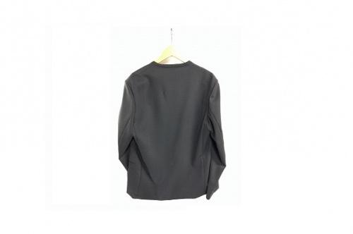 ジャケットのノーカラージャケット