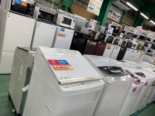 洗濯機の大型冷蔵庫
