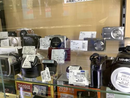 コンパクトカメラのデジタルカメラ