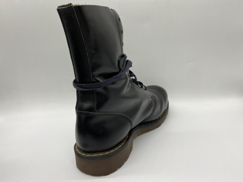 DrMartensのRED WING