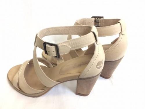 靴のサンダル