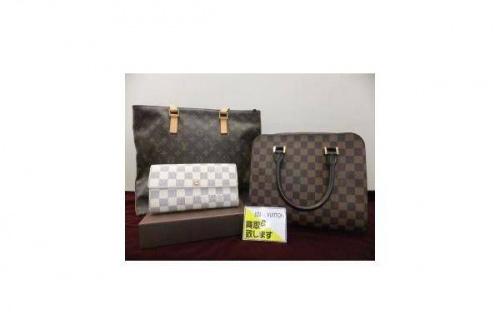 LOUIS VUITTON ルイヴィトンのバッグ 財布 ケース