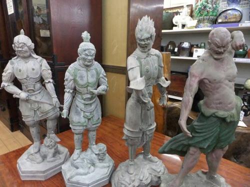 置物の仏像