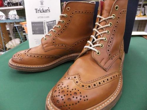 ブーツのTRICKER'S