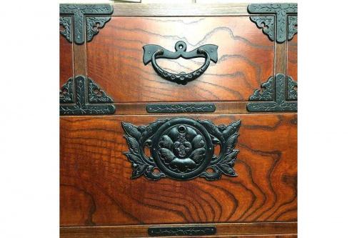 伝統工芸品の家具