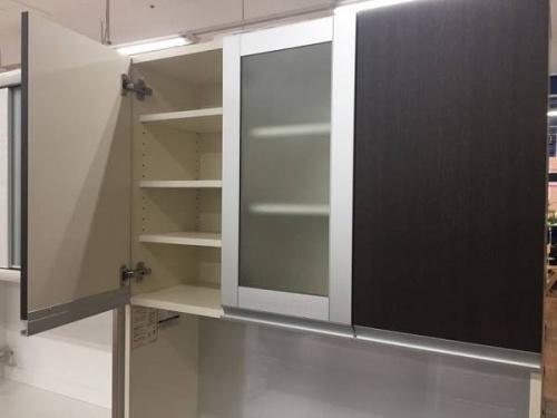 Pamounaの食器棚