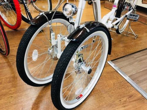 自転車の三輪自転車