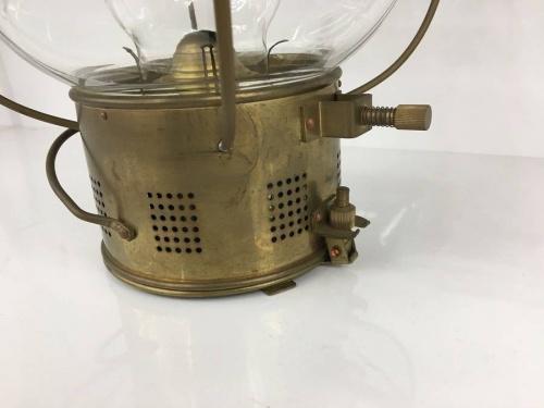 日本船燈株式会社の石油式マリンランプ