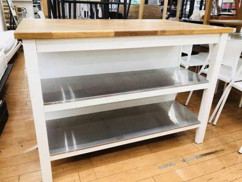 テーブルのキッチンカウンター