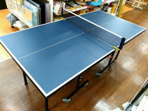 スポーツ用品の卓球台