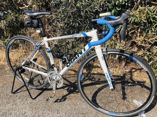 自転車のロードバイク