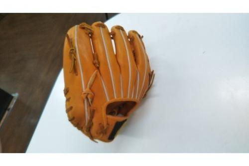 野球グローブの硬式用グローブ