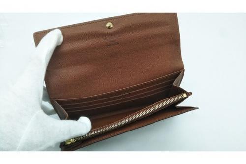 長財布のモノグラム