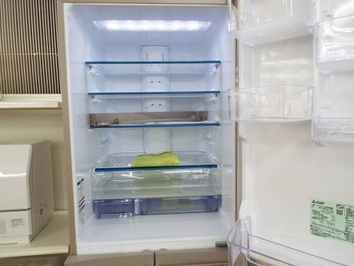 冷蔵庫の三菱 MITSUBISHI