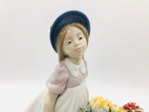 フィギュリン リヤドロの陶器人形