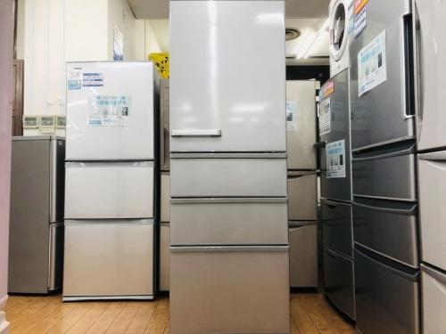 キッチン家電の冷蔵庫 4ドア冷蔵庫