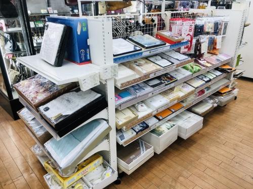 リサイクルショップ 買取のインテリア 和食器 洋食器 タオル キッチン雑貨