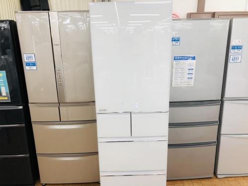 生活家電の冷蔵庫 5ドア冷倉庫