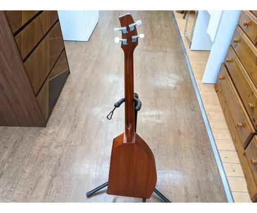 ギターの4弦ギター