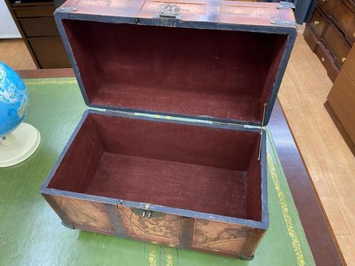 ヴィンテージの宝箱風ボックス