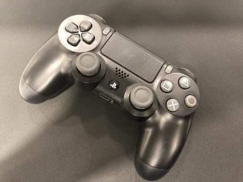 PS4Proのゲーム機