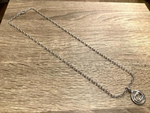 アクセサリーのネックレス