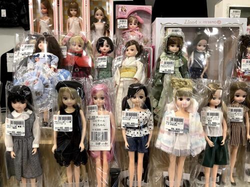女の子おもちゃのリカちゃん人形
