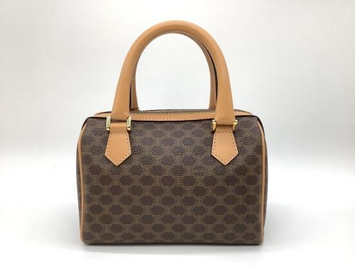バッグのボストンバッグ