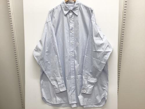 シャツのオーバーサイズシャツ